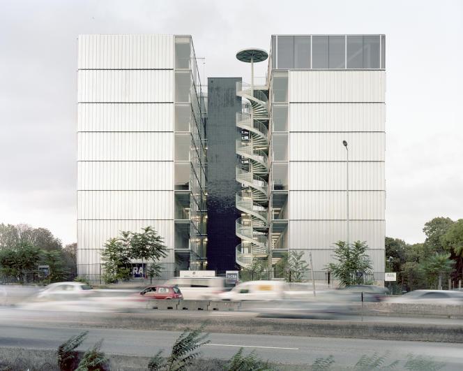 La résidence pour chercheurs Julie-Victoire-Daubiéde la Cité universitaire internationale de Paris, réalisée par Stéphanie Bru et Alexandre Theriot, de l'agence Bruther,a été inaugurée en 2017.