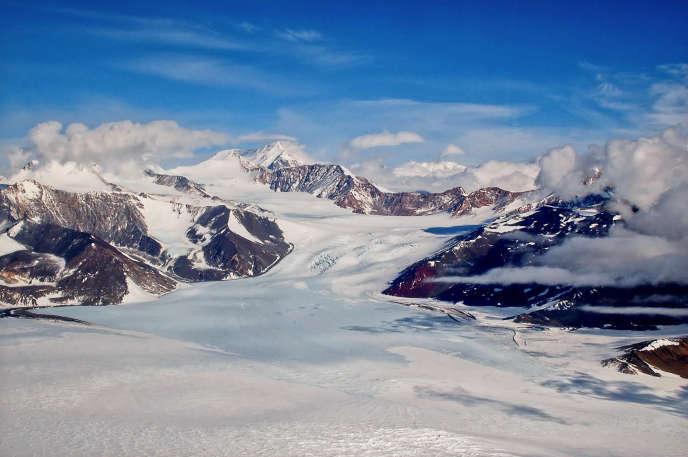 Le glacier Renegar, dans l'Antarctique de l'Est, autrefois considéré comme relativement à l'abri, est touchée par la fonte des glaces.