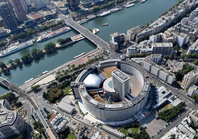 Vue aérienne de la Maison de la radio, à Paris, le 14 juillet 2018.