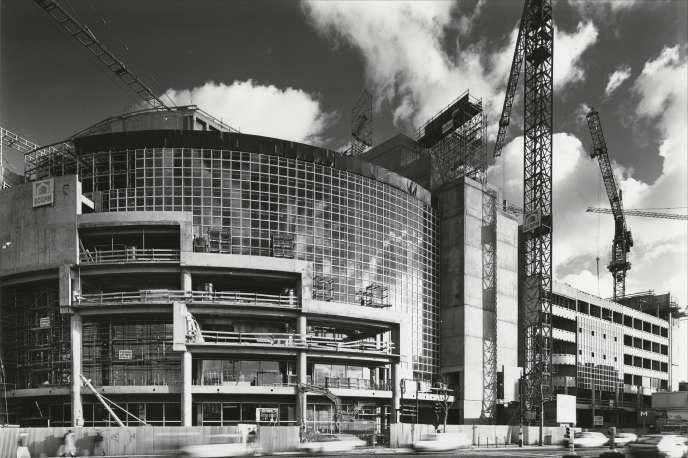 La construction de l'Opéra Bastille, à Paris, en 1988.
