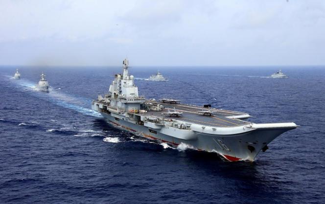 Le porte-avion chinoisLiaoninglors demanœuvresnavales dans le Pacifique, le 18 avril 2018.