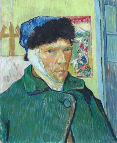 """«L'auto-mutilation de son oreille gauche (ici à droite car peinte dans un miroir) est tellement associée à la vie de Vincent van Gogh que l'on a l'impression qu'il existe des dizaines d'autoportraits à l'oreille bandée. Or, il n'en existe que deux, dont celui-ci est le plus grand et le plus achevé‒ le second appartient à une collection privée. De retour d'un long séjour à l'hôpital, Vincent van Gogh se retrouve seul dans son atelier d'Arles, après le départ de Gauguin suite à leur querelle, et doit, comme il écrit à son frère Théo,""""réapprendre à peindre"""".»"""