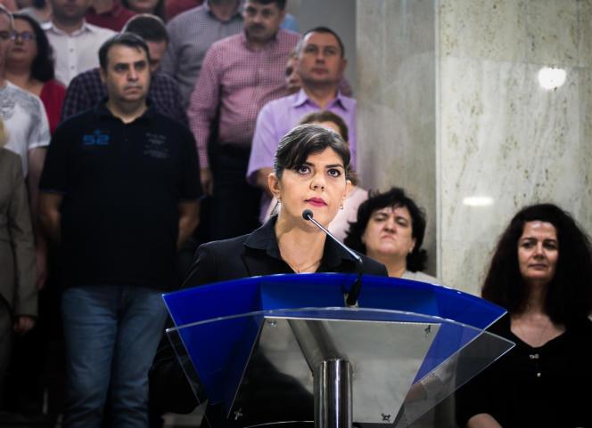 Laura Codruta Kövesi, lors d'une conférence de presse à la suite de sa destitution du parquet national anticorruption roumain, le 9 juillet 2018 à Bucarest.