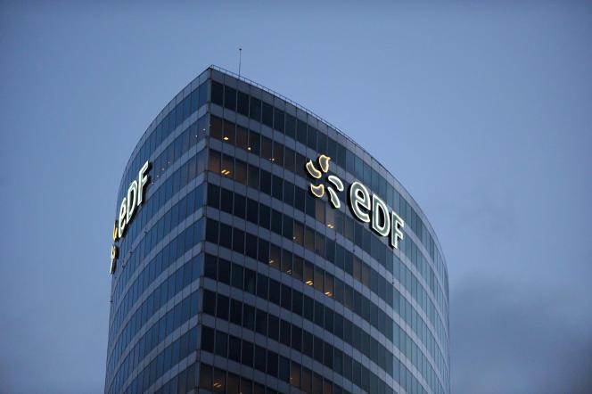 La tour EDF à la Défense, près de Paris, en février 2014.