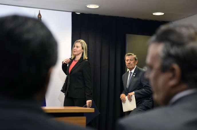 La représentante de la diplomatie européenne, Federica Mogherini, et son homologue uruguayenRodolfo Nin, le 7 février à Montevideo.