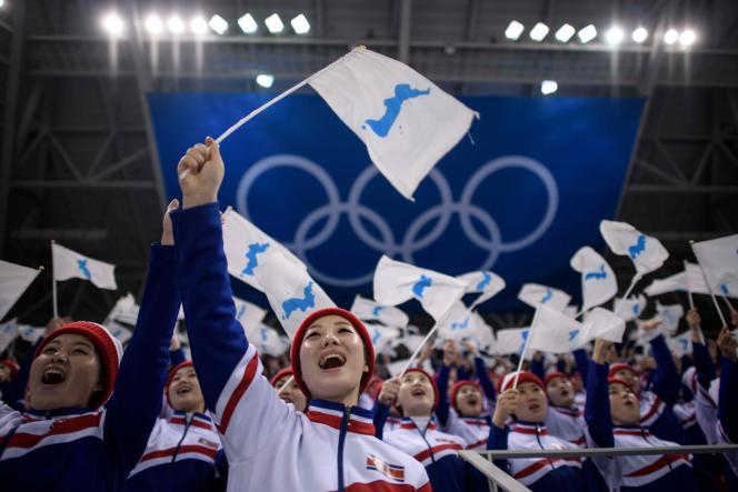 Lors du sommet intercoréen de septembre 2018 à Pyongyang, le président du Sud, Moon Jae-in, et le dirigeant du Nord, Kim Jong-un, avaient décidé de coopérer pour « organiser conjointement les Jeux olympiques d'été de 2032 ».