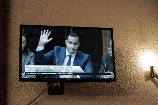 AlexandreBenallaprêtant serment lors de son audition par la commission des lois su Sénatle 21janvier.