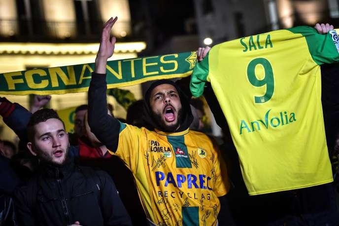 Des supporteurs du club de Nantes rendent hommage à Emiliano Sala, le 22janvier.