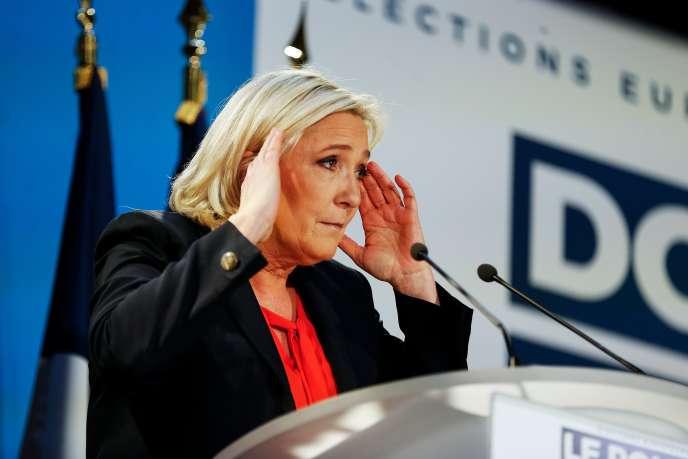 La présidente du Rassemblement national, Marine Le Pen, le 9 février àEbremond-de-Bonfossé, dans la Manche.