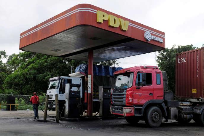 Dans une station-service gérée par PDVSA, à Cupira, au Venezuela, en décembre 2018.