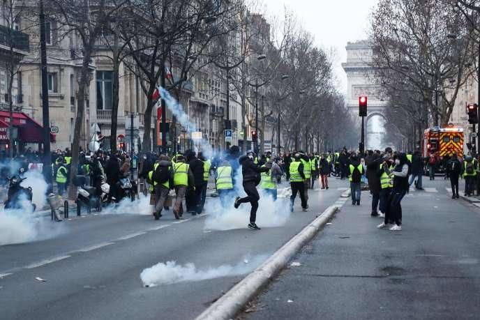 Lors de la manifestation parisienne des « gilets jaunes», samedi 9 février 2019.