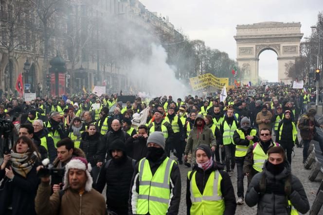 Manifestation des« gilets jaunes», sur les Champs-Elysées, samedi 9 février.