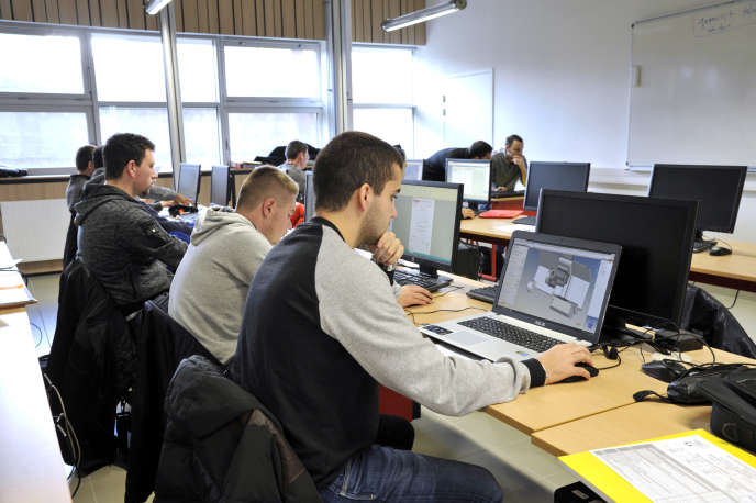 Classe de BTS «conception de produits industriels»,à Saint-Sébastien-sur-Loire (Loire-Atlantique).