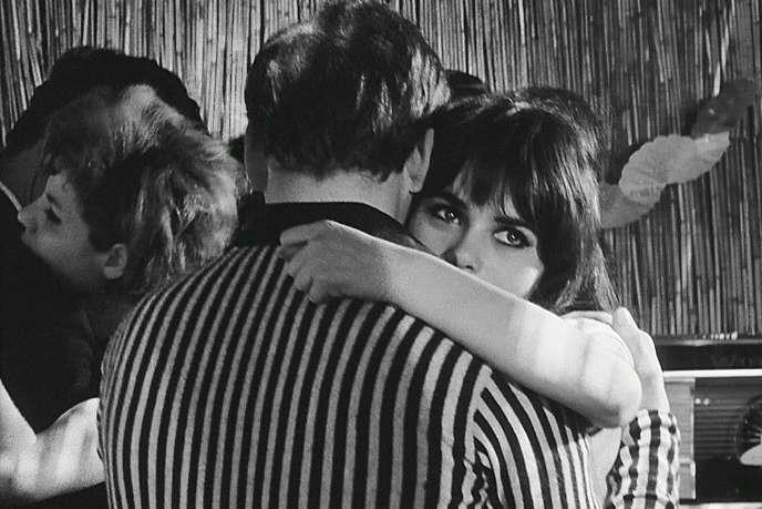 Marisa Solinas interprète le rôle de Bruna dans «Les Recrues» («La Commare Secca»), film italien (1962), de Bernardo Bertolucci.