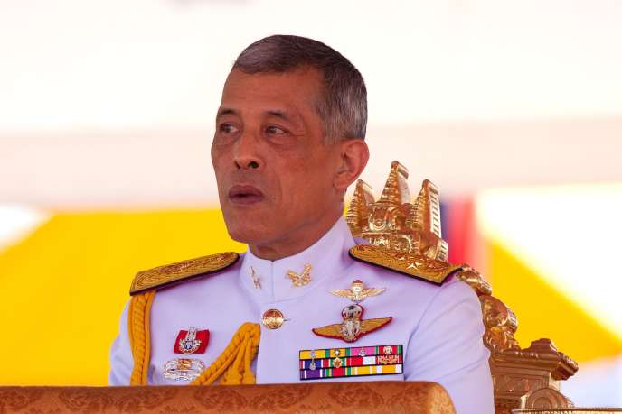 Le roi deThaïlande, MahaVajiralongkorn, lors d'une cérémonieofficielleau palais royal, à Bangkok, le 14 mai 2018.