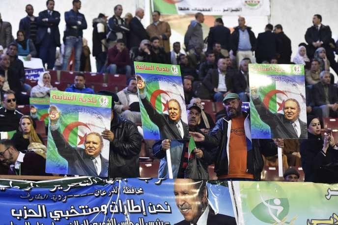 Rassemblement du Front de libération nationale algérien, soutenant le cinquième mandat du président Bouteflika, le 9 février à Alger.