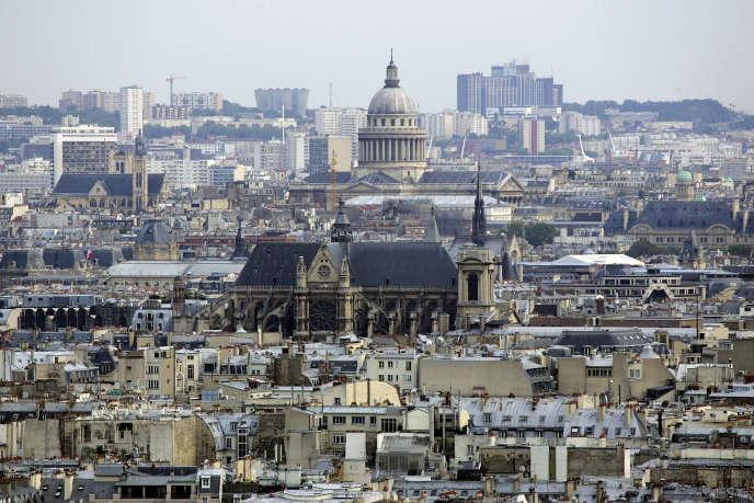 Selon la Ville, 1 010 annonces d'hébergements parisiens proposés par Airbnb ne font pas figurer le numéro d'enregistrement obligatoire.