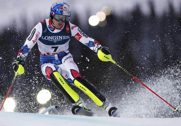 Alexis Pinturault décroche son premier titre de champion du monde dans le combiné.