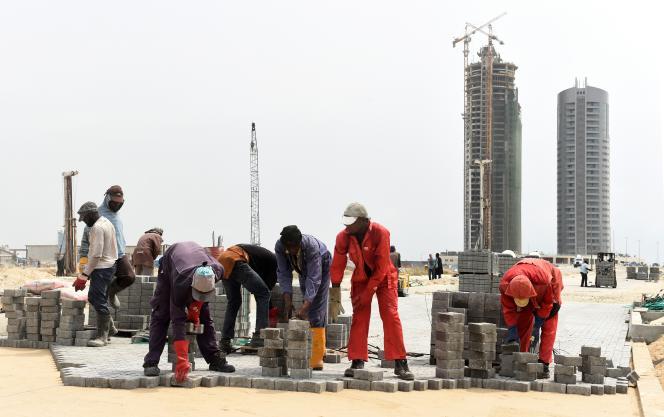 En Afrique de l'Ouest, les tours de béton ne cessent de sortir de terre, comme ici Eko Atlantic City, à Lagos, en 2016.