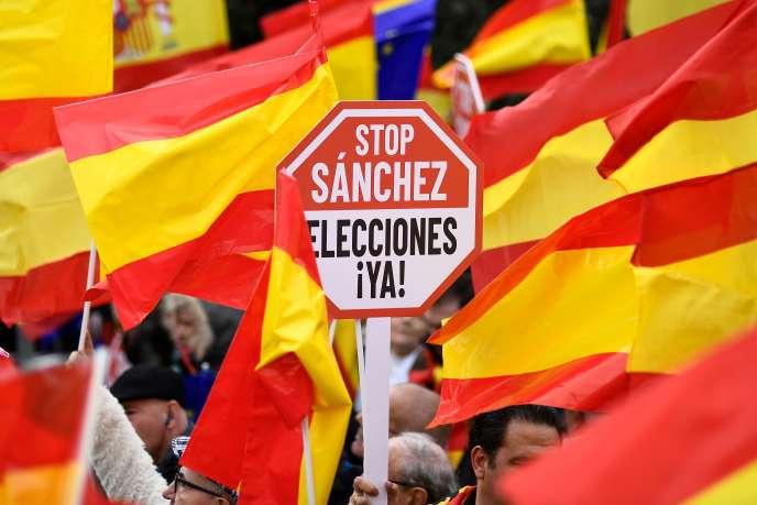 Manifestation appelant à la démission dupremier ministreespagnol Pedro Sanchez, à Madrid, le 10 février.