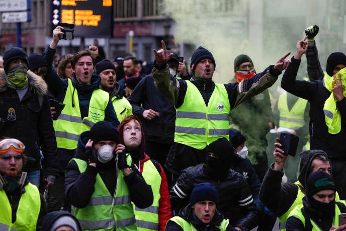 Des « gilets jaunes» belges manifestent à Bruxelles, le 8 décembre 2018.
