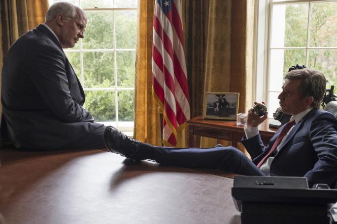Christian Bale (Dick Cheney, à gauche) et Sam Rockwell (George W. Bush) dans le film d'Adam McKay,«Vice».