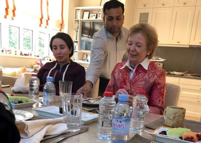 En décembre, les Emirats arabes unis ont publié une série de photos de la cheikha Latifa à l'occasion d'une rencontre avec Mary Robinson, l'ancienne présidente irlandaise.