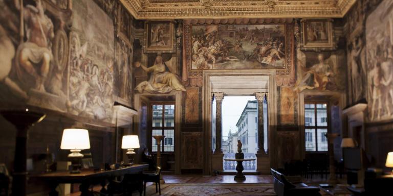 La salle des Fastes Farnesiens, bureau de l'ambassadeur.