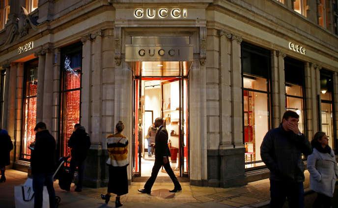 61764de8d9f Gucci propulse la rentabilité de Kering à des niveaux historiques