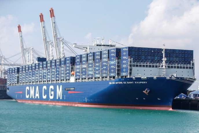 Le porte-conteneurs « Antoine-de-Saint-Exupéry » de CMA CGM, dans le port du Havre (Seine-Maritime), en septembre 2018.