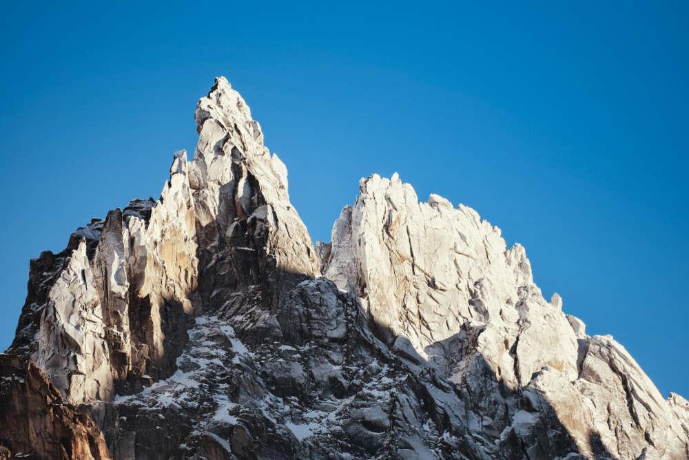 « L'aiguille du M veille sur Chamonix et sa vallée. »