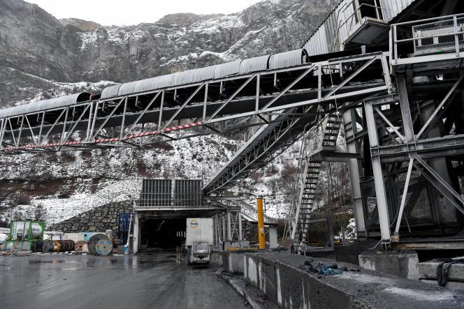 Sur le chantier du TGV Lyon-Turin, à Saint-Martin-de-la-Porte (Savoie), en novembre 2018.