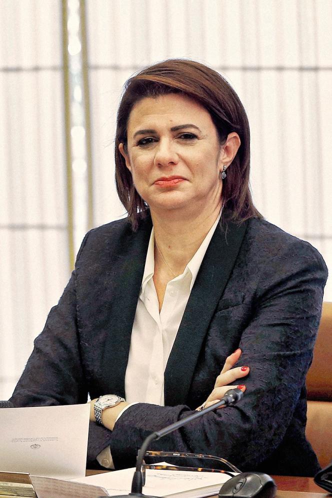 Raya Haffar El-Hassan est la première femme à occuper le poste de ministre de l'intérieur dans le monde arabe
