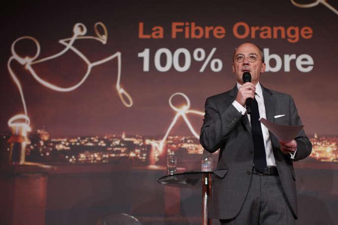 Stéphane Richard, le PDG d'Orange, présente son plan de développement de la fibre, en avril 2015.