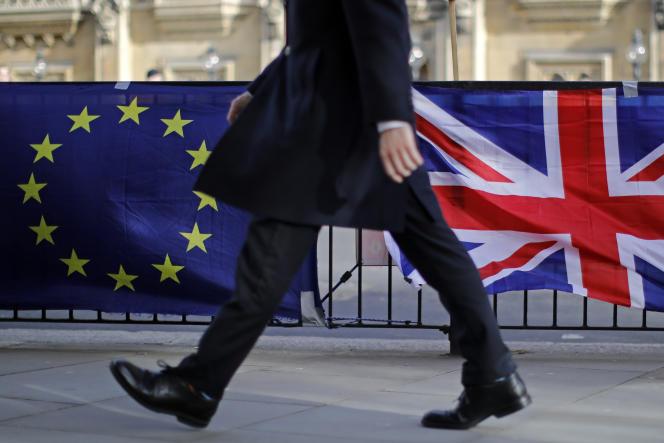 Lors d'un rassemblement anti-Brexit devant la Chambre des communes à Londres, le 12 février.