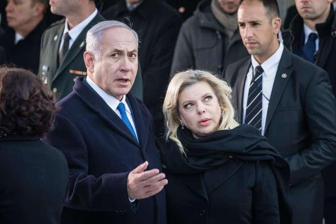 Benyamin Nétanyahou et son épouse, le 14 février auMonument aux héros du ghetto, à Varsovie.
