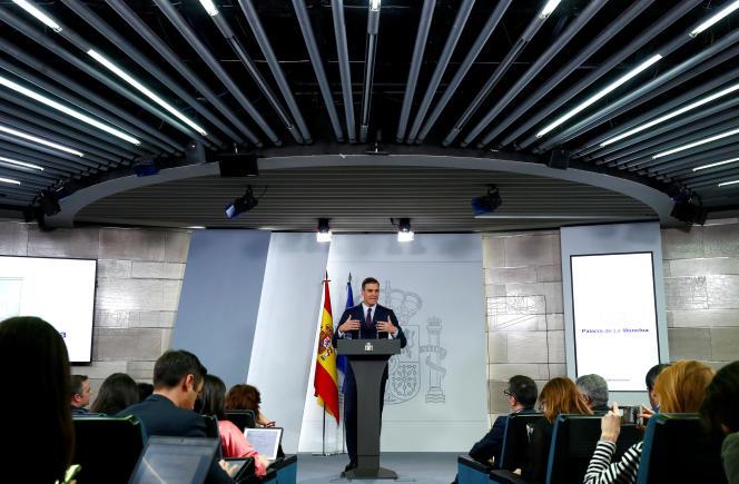 Pedro Sanchez, le premier ministre espagnol, lors d'une conférence de presse aprèsun conseil des ministres extraordinaire à Madrid, le 15février2019.