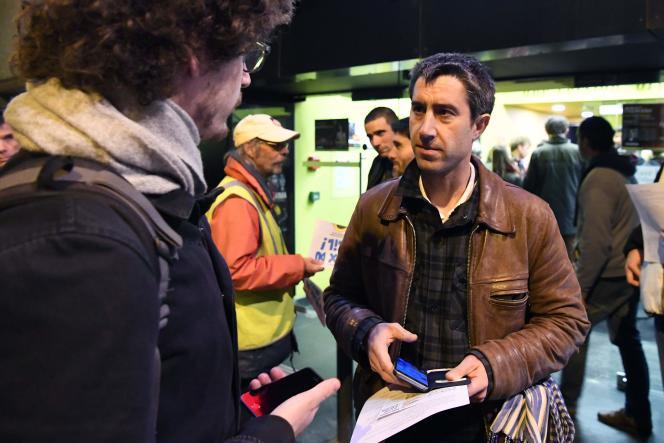 Le réalisateur et député La France Insoumise (LFI), Francois Ruffin lors de la première de son film« J'veux du soleil», à Grenoble, le 15 février.