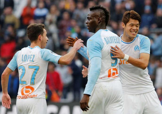 Maxime Lopez, à gauche, lors du match face à Amiens.