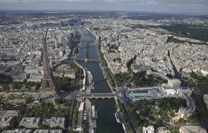 Une vue aérienne des ponts de Paris, en 2015.