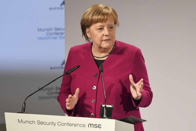 Sur les questions sécuritaires, Angela Merkel a assumé son désaccord avec Donald Trump, dont elle n'a toutefois jamais prononcé le nom.