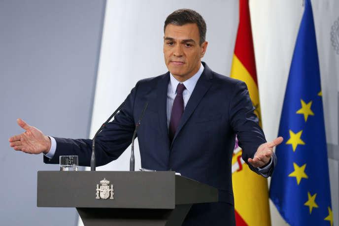 Lepremier ministreespagnol, Pedro Sanchez, annonçant la tenue d'élections législatives pour le 28 avril, àMadrid, le 15 février.