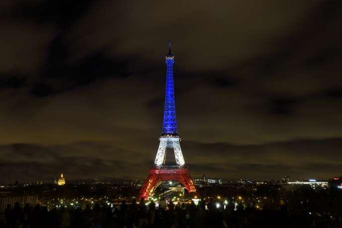 Hommage aux victimes de l'attaque terroriste du 13 novembre 2015, à Paris, le 17 novembre 2015.