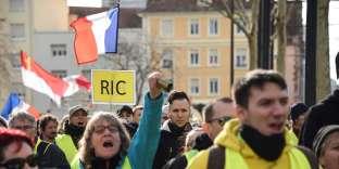 Manifestation des« gilets jaunes» à Mulhouse (Haut-Rhin), le 9 février.