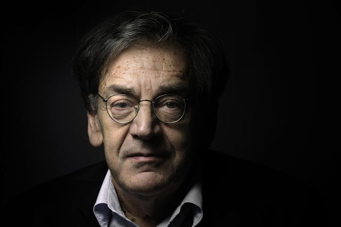 Alain Finkielkraut, àParis, le 16 juin 2015. Le philosophe a été pris à partie par des manisfestants qui ont proféré à son encontre des injures antisémites,samedi 16 février, en marge d'un cortège parisien des « gilets jaunes».