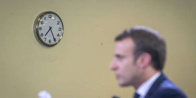 Emmanuel Macron, président de la république, participe au Grand débat face aux élus de banlieue à Évry-Courcouronnes, lundi 4 février 2019