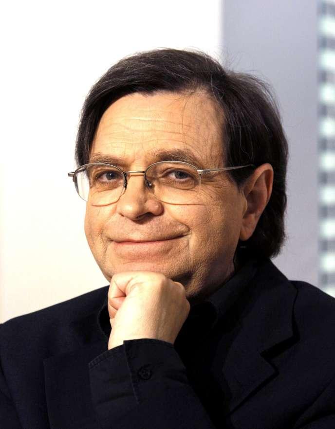 Le linguiste Pierre Encrevé, en 2007.