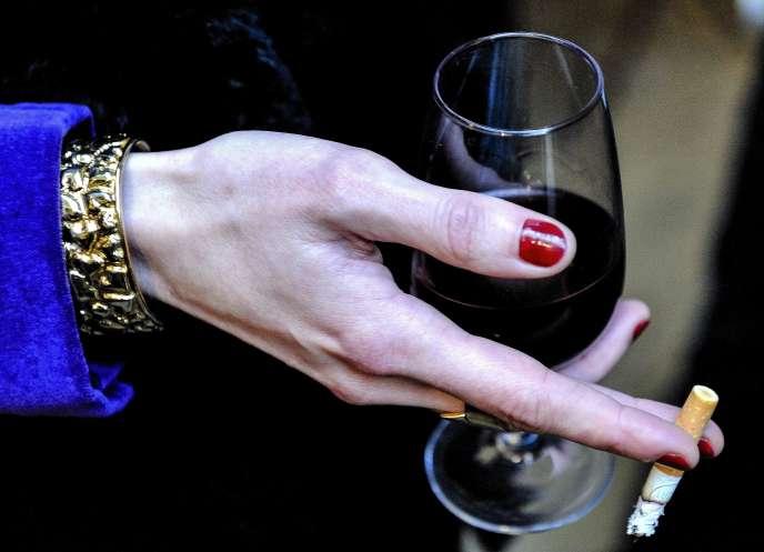 «L'usage d'alcool est banal: dans l'année, 86% des Français en ont consommé au moins une fois, et plus d'1 sur 5 a eu au moins une ivresse. »