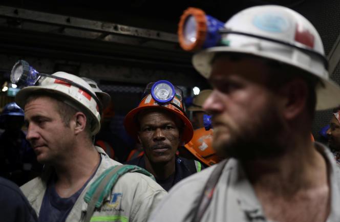Des travailleurs de la mine de Cullinan, près de Pretoria, en Afrique du Sud, le 1er février.