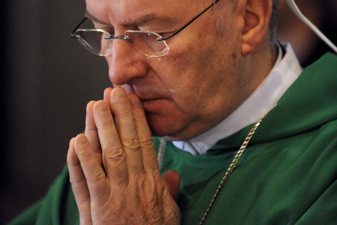 Mgr Luigi Ventura, en 2010 à Lourdes.
